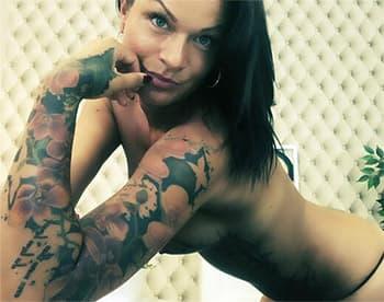 Sexcams kostenlos mit Tattoo Girl